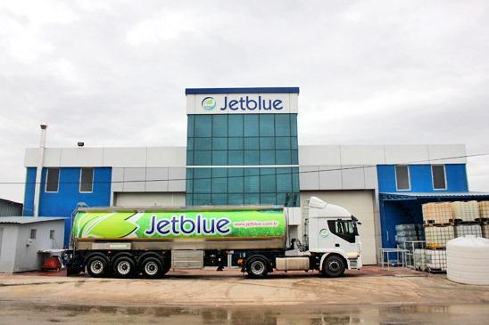 Jetblue Kimya San ve Tic Ltd Şti, 2009 yılında  Kocaeli'nde 3000m² açık 1800m² kapalı alanda Türkiye'de ilk kez Adblue üretimini gerçekleştirmek üzere  kurulmuş olup, Alman Otomotiv Sanayicileri Derneği tarafından Adblue markasını kullanma hakkı kazanan ve VDA lisansını alan ilk firmalardan biridir.